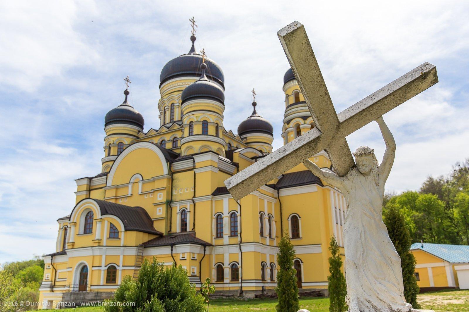 hancu-monastery-moldova-2016-1