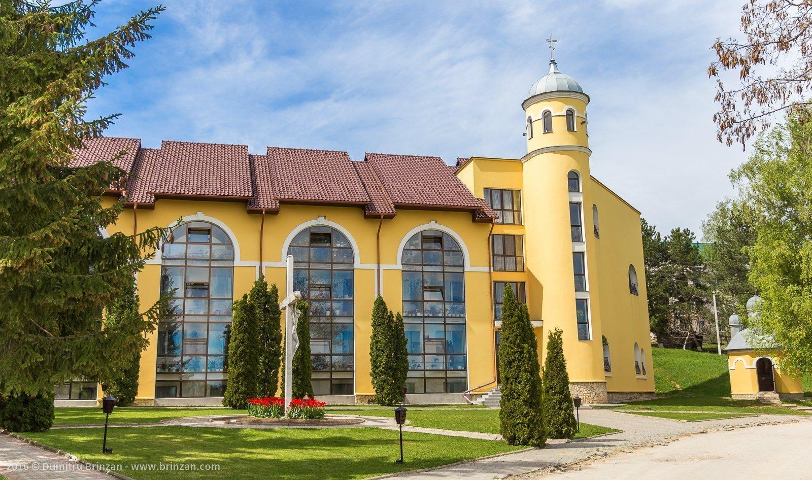 hancu-monastery-moldova-2016-10