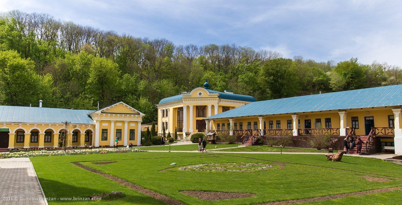 hancu-monastery-moldova-2016-8