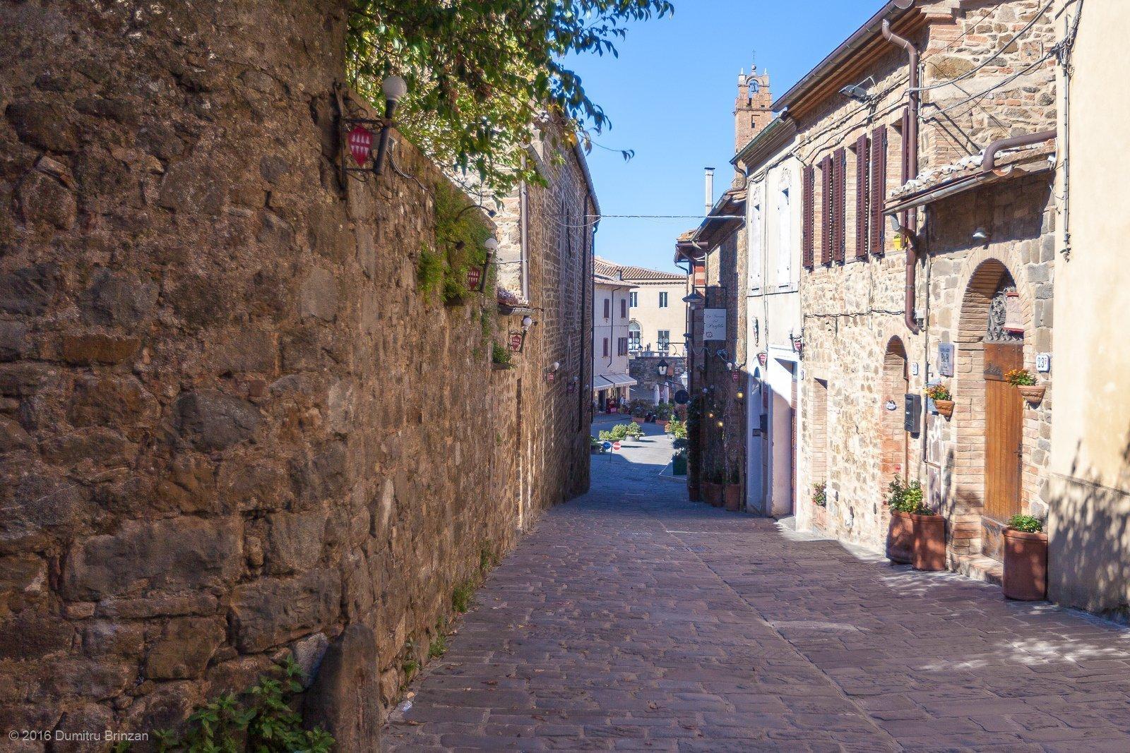 2016-montalcino-tuscany-italy-18