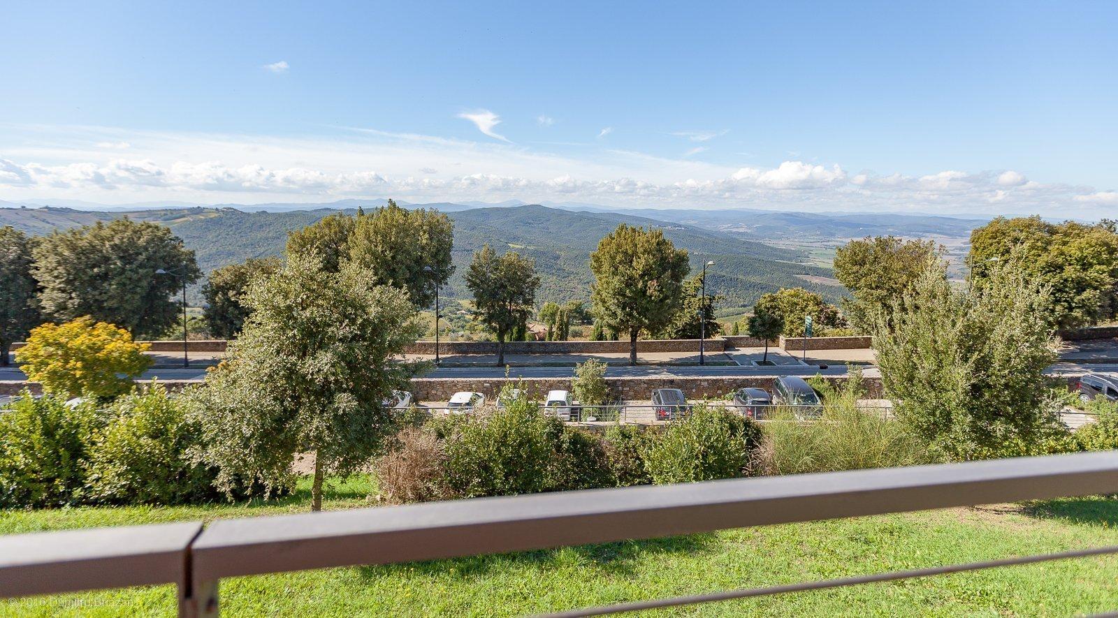2016-montalcino-tuscany-italy-7