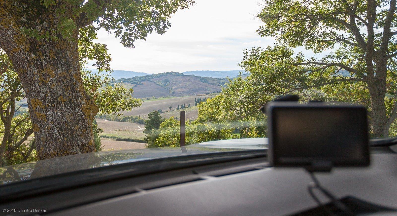 2016-podere-il-casale-pienza-5-parking-view
