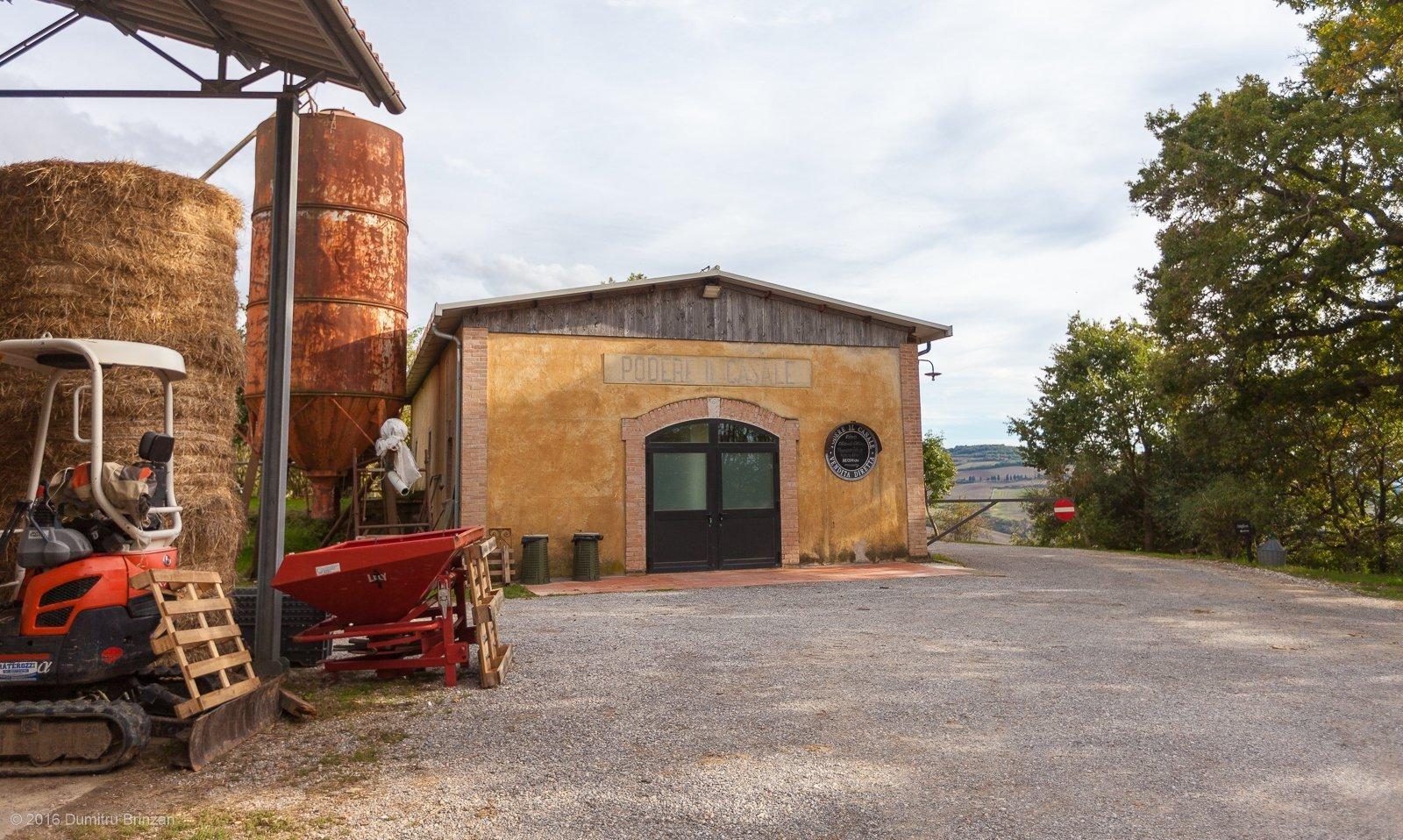 2016-podere-il-casale-pienza-6-entrance
