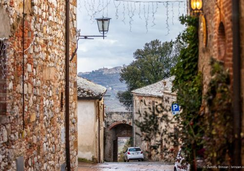 Thumbnail for Tuscany in Winter: Montefollonico